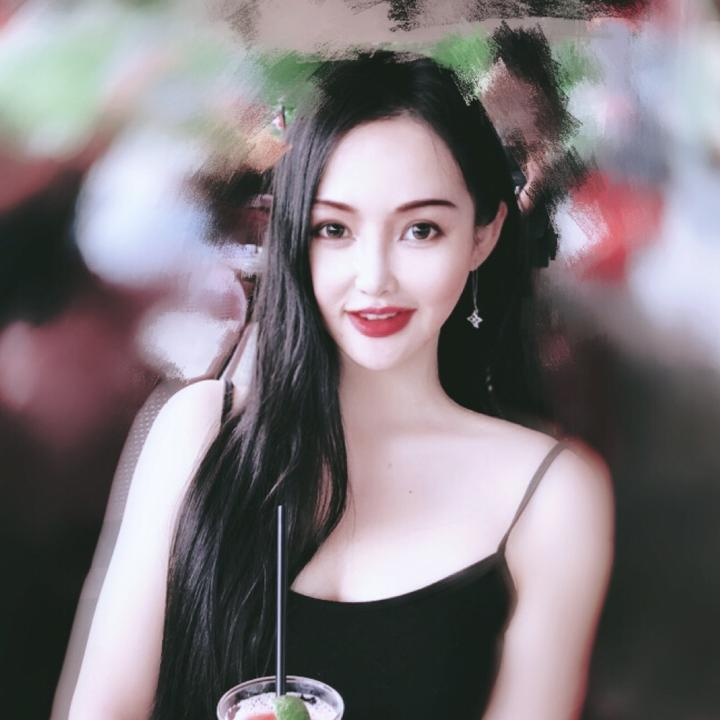 阿瑶💋百变小仙女