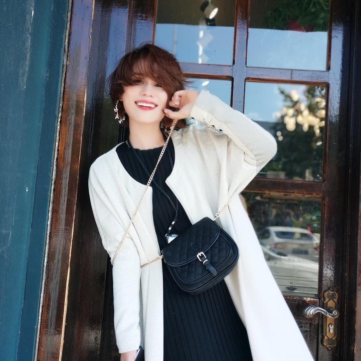 Miss赵包包服饰店